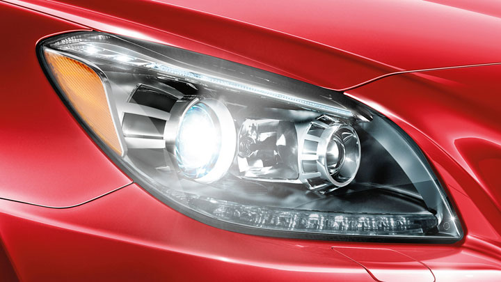 Bi-Xenon headlamps with Active Curve Illumination