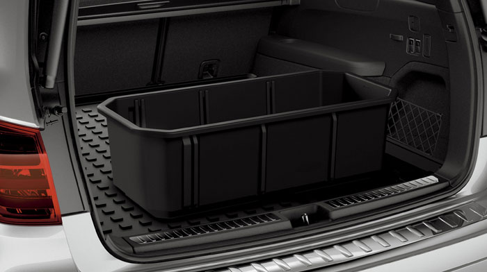 in Iridium Silver with accessory cargo box and cargo tray