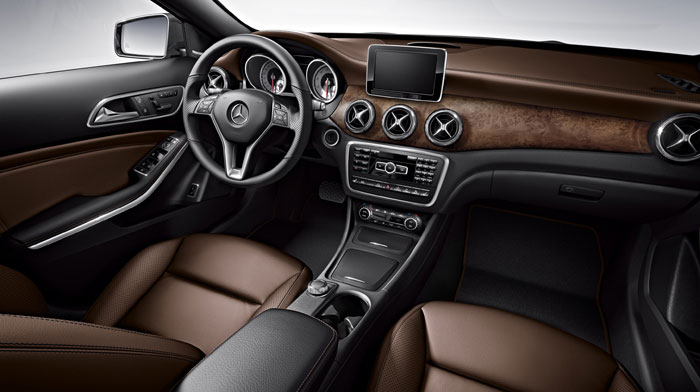 4MATIC in Brown leather with Interior and Multimedia Packages