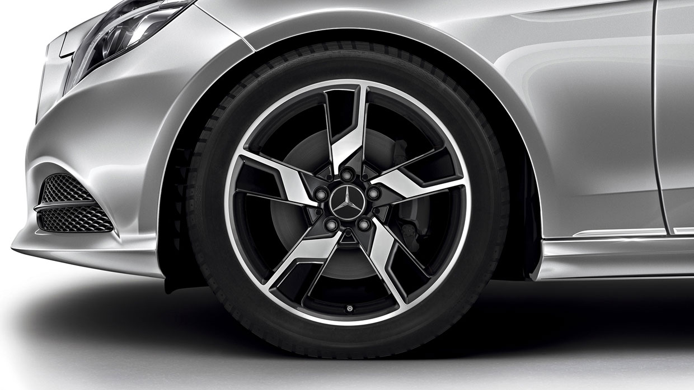 Mercedes-Benz 2016 E CLASS SEDAN 009 MCFO R