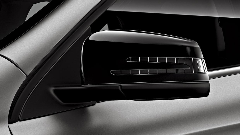 Mercedes-Benz 2016 GLA SUV 005 MCFO R