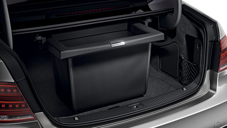 Mercedes-Benz 2017 E SEDAN 093 MCFO R