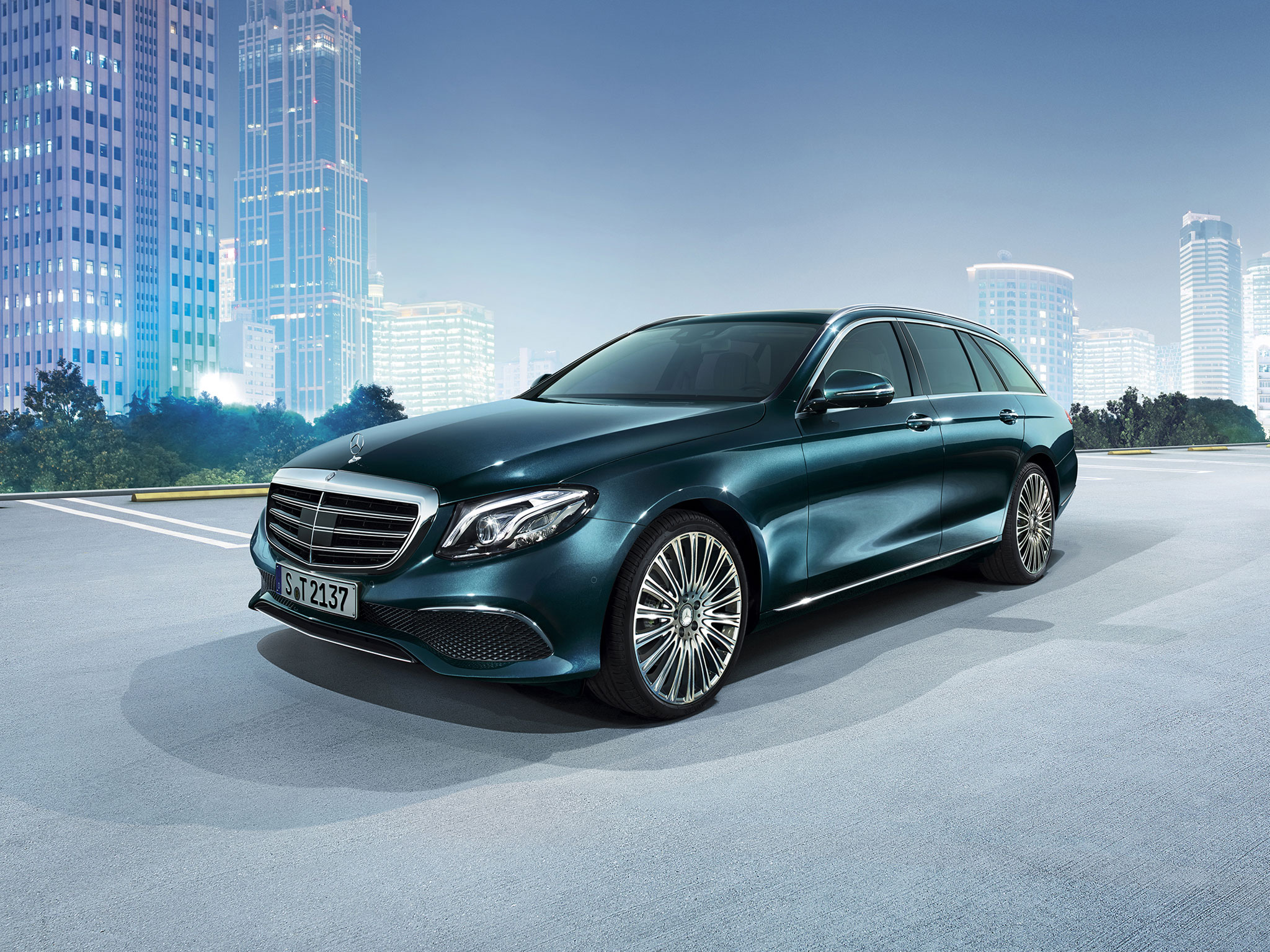 The All New Mercedes Benz E400 Wagon