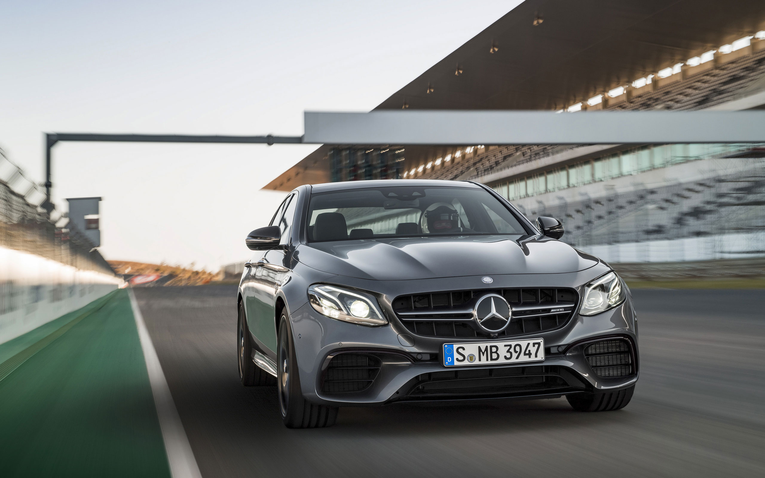 https://assets.mbusa.com/vcm/MB/DigitalAssets/FutureModels/Responsive/2018_E63_SEDANS/Gallery/2017-E-SEDAN-63S-AMG-FUTURE-GALLERY-003-WR-D.jpg