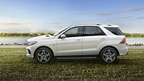 Mercedes-Benz 2017 GLE SUV FEATURED GALLERY 01 THUMB