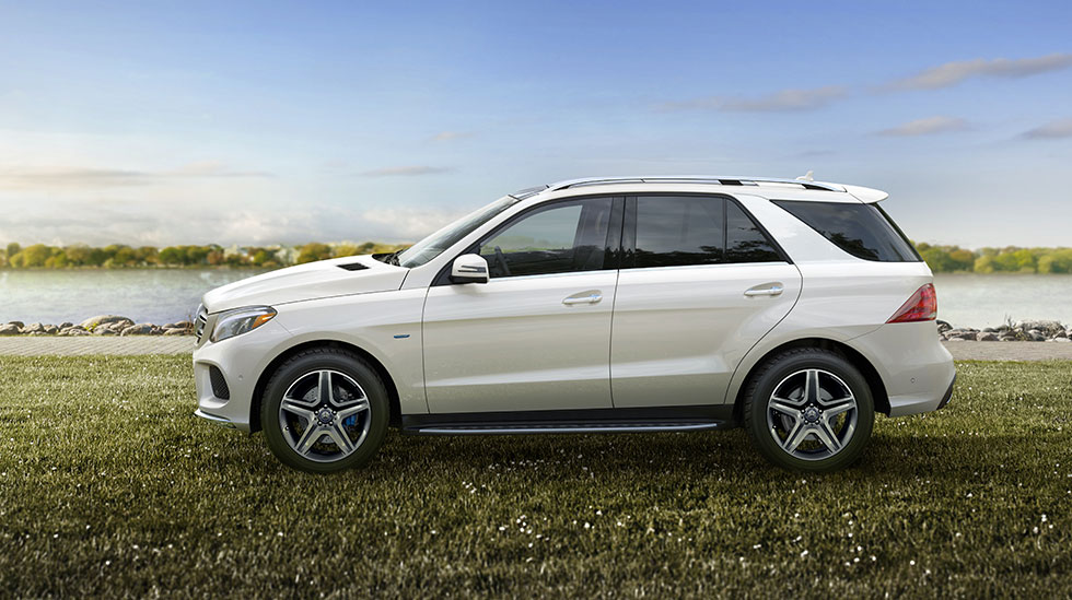 Mercedes-Benz 2017 GLE SUV FEATURED GALLERY 01