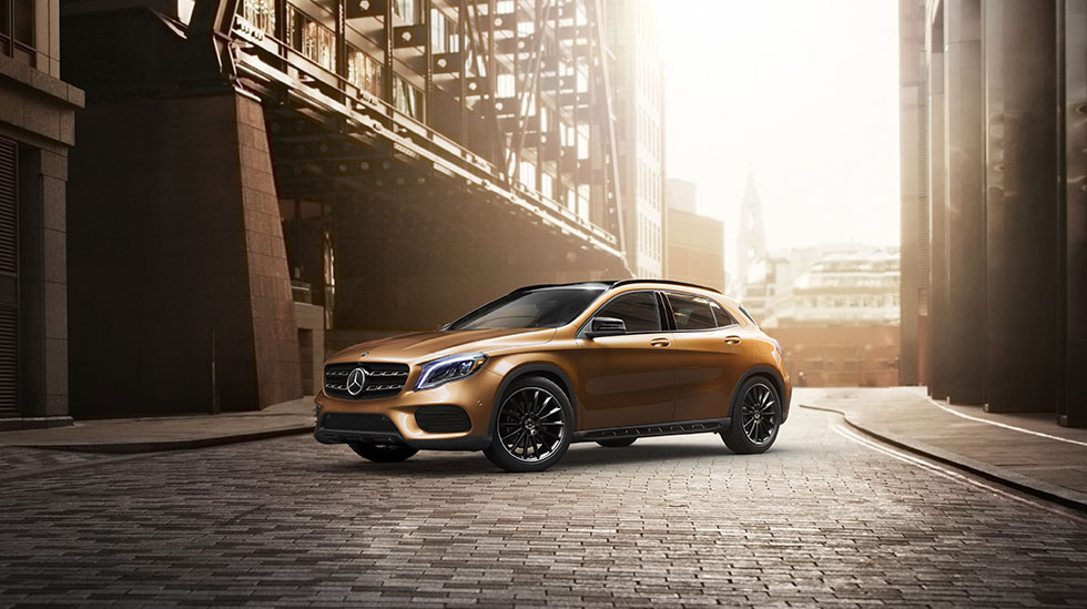 Mercedes-Benz 2018 GLA SUV FEATURED GALLERY 01 DR