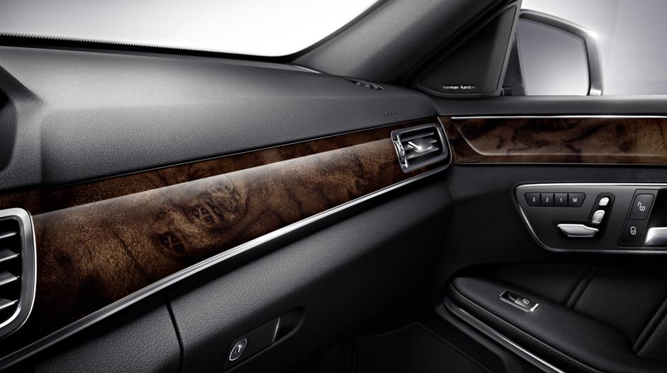 Mercedes-Benz 2014 E CLASS WAGON GALLERY 012 GOI D