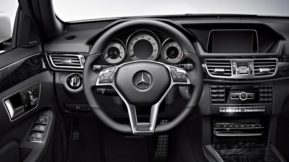 Mercedes-Benz 2014 E CLASS WAGON GALLERY 013 GOI D