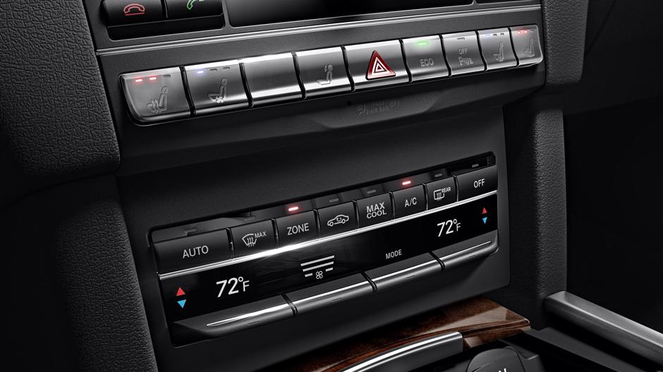 Mercedes-Benz 2014 E CLASS WAGON GALLERY 014 GOI D