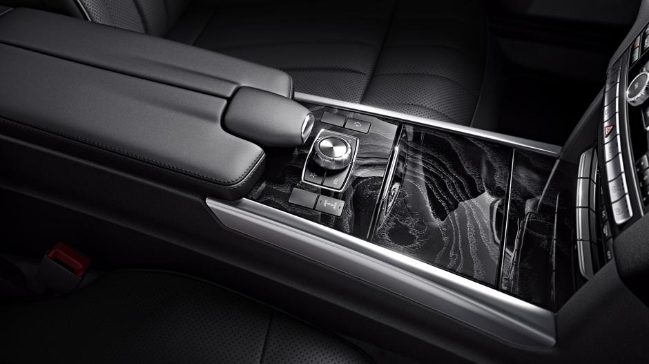Mercedes-Benz 2014 E CLASS WAGON GALLERY 015 GOI D