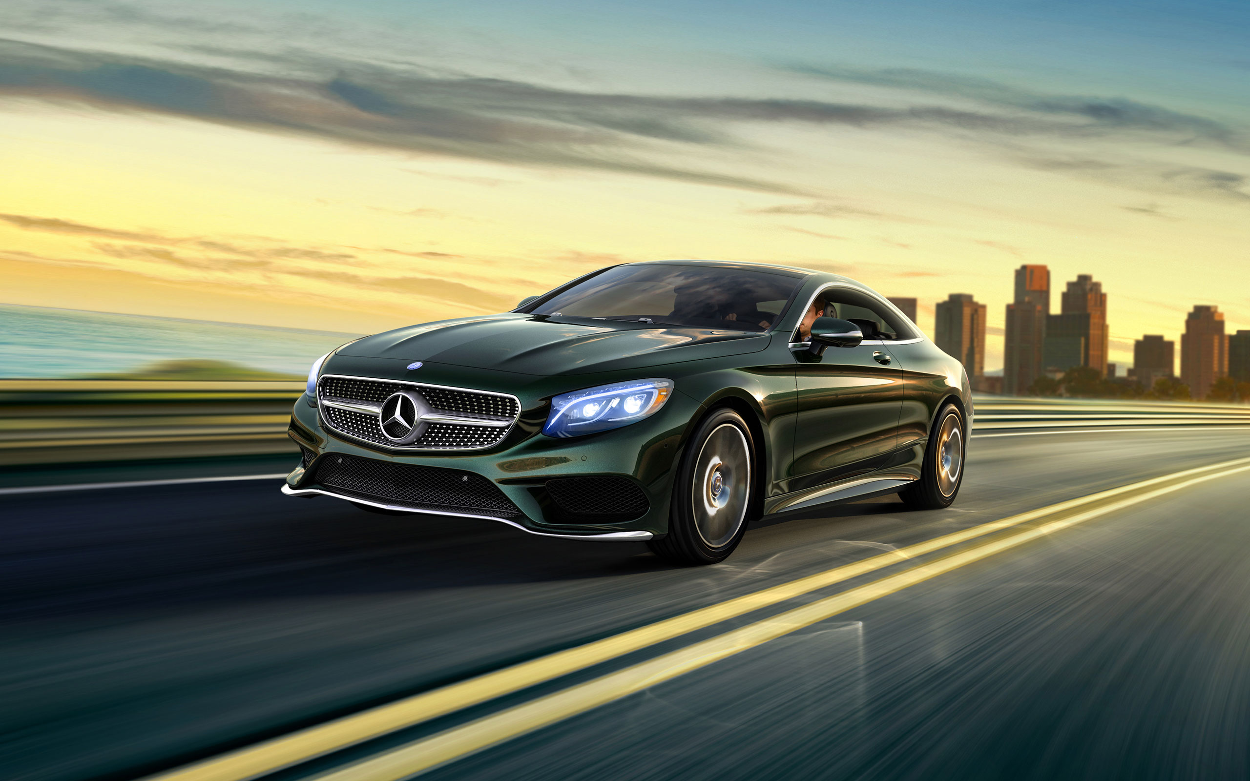s550 4matic coupe in emerald green with standard active full led headlamps
