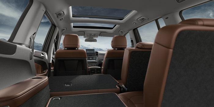 2017-GLS-SUV-CLASS-PAGE-014-CCF-D.jpg
