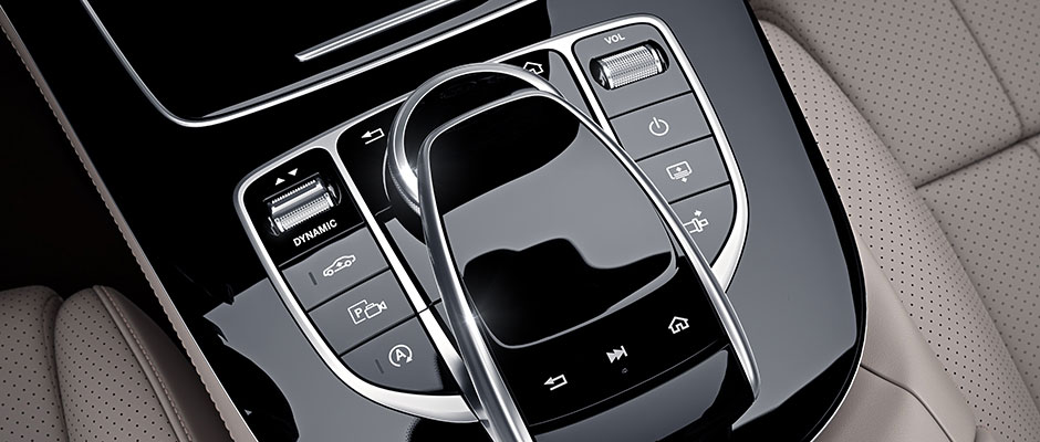 Mercedes-Benz 2018 E COUPE GALLERY 017 SET D FI D