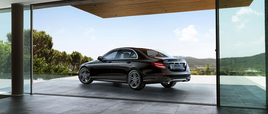 Mercedes-Benz 2018 E SEDAN GALLERY 005 SET R FE D