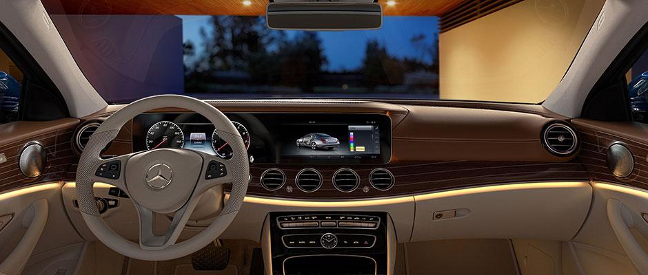Mercedes-Benz 2018 E SEDAN GALLERY 006 SET J FI D