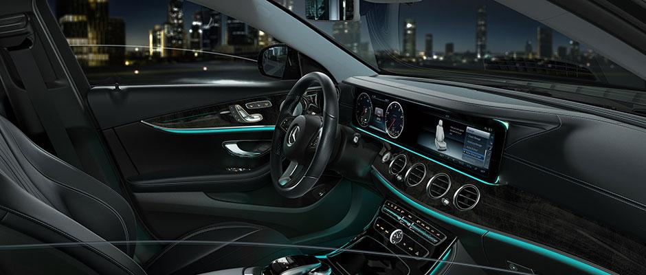 Mercedes-Benz 2018 E SEDAN GALLERY 008 SET J FI D