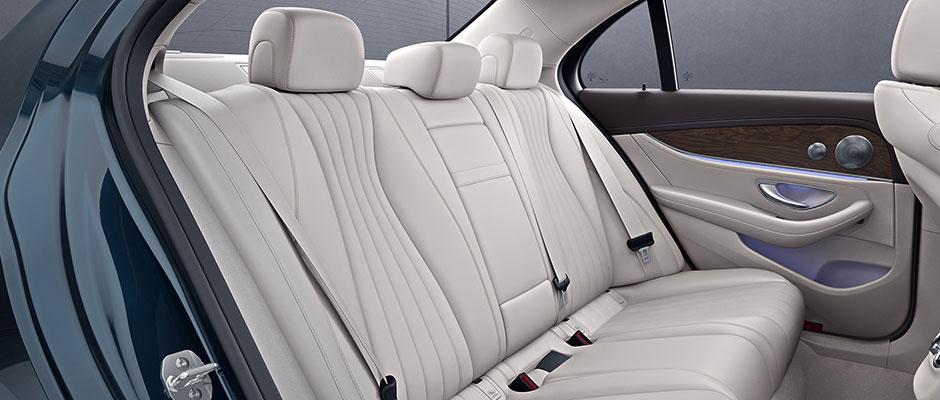 Mercedes-Benz 2018 E SEDAN GALLERY 009 SET J FI D