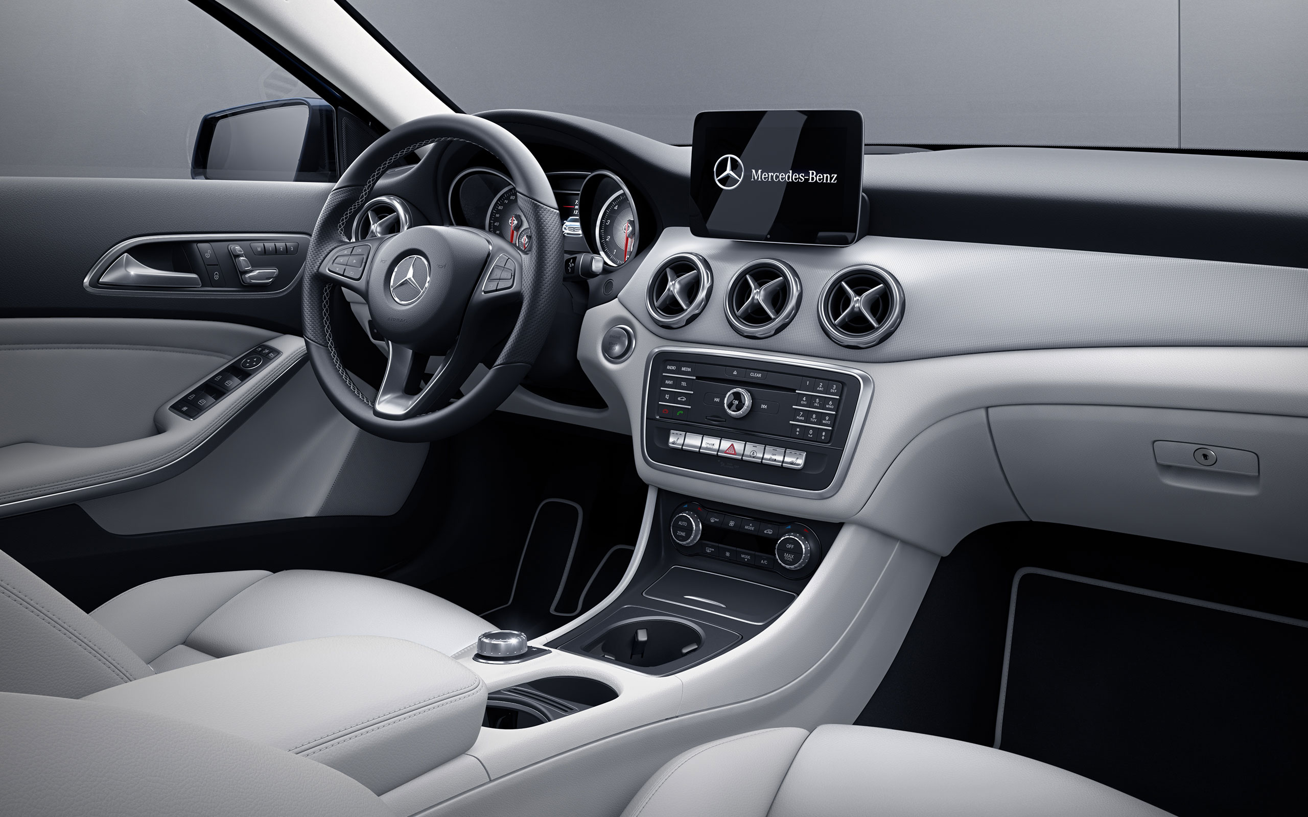 GLA 250 With Crystal Grey MB Tex And Aluminum Trim