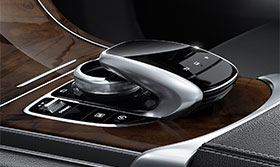2018-GLC-SUV-CAROUSEL-LEFT-3-2-D.jpg