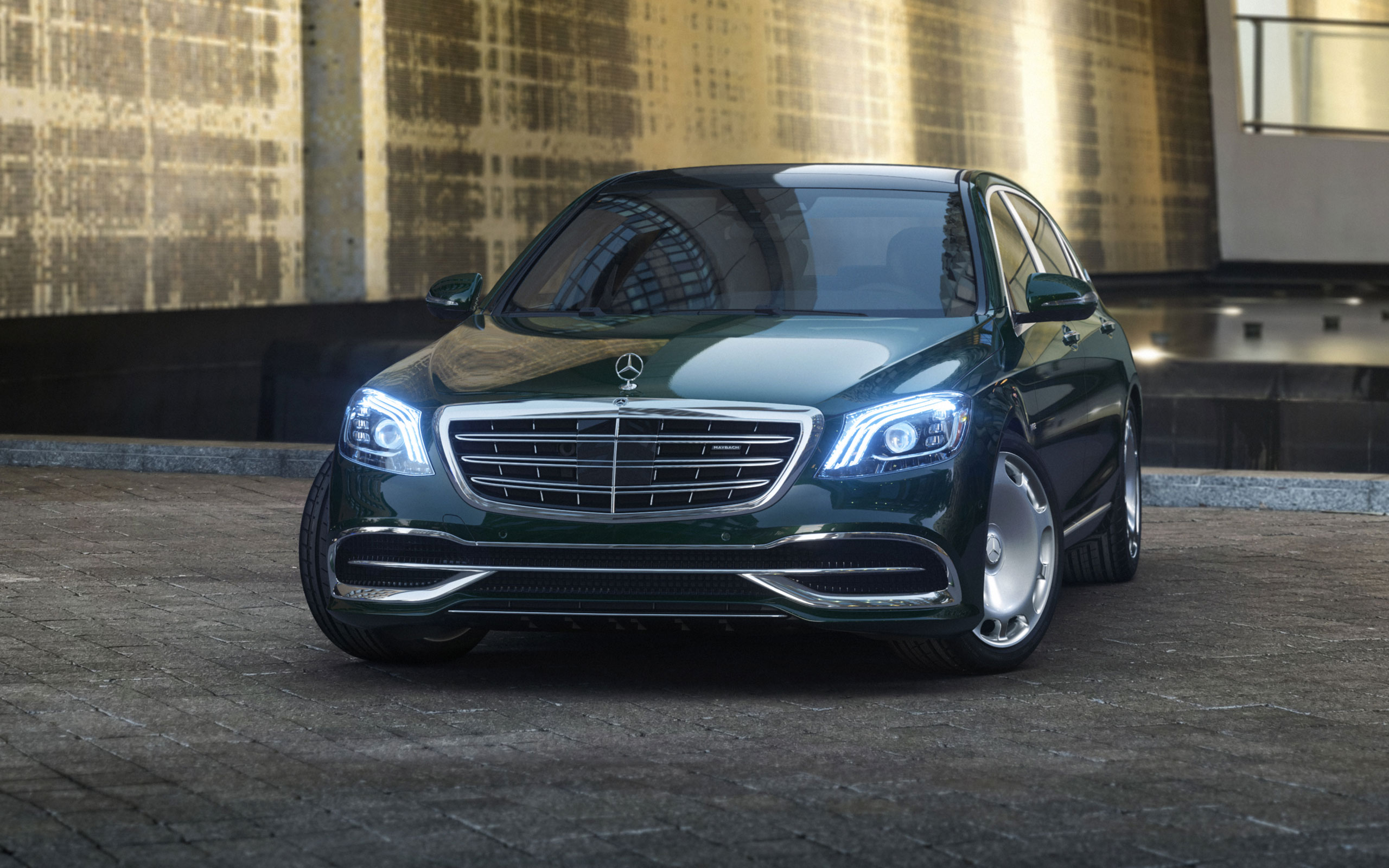 more preview auto review sedan mercedes roadshow s ratings and benz photos class img specs price