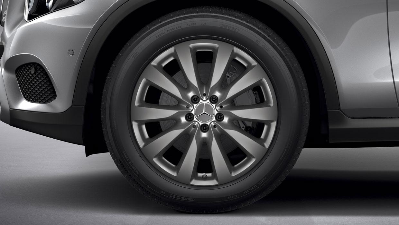 Mercedes-Benz 2017 GLC SUV 002 MCFO R